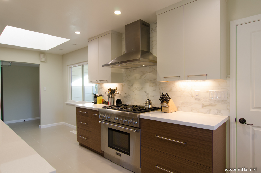 two-tone-modern-kitchen-remodel-before-after-12