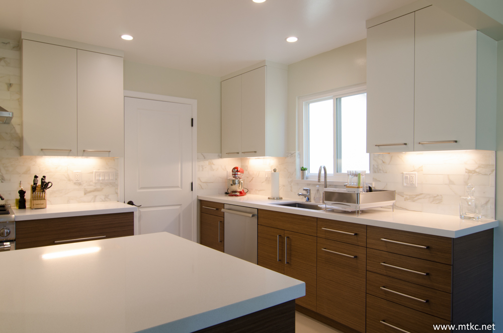 two-tone-modern-kitchen-remodel-before-after-11